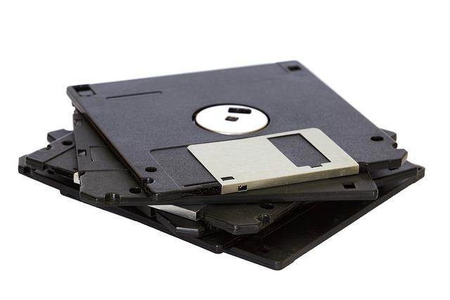čtyři diskety