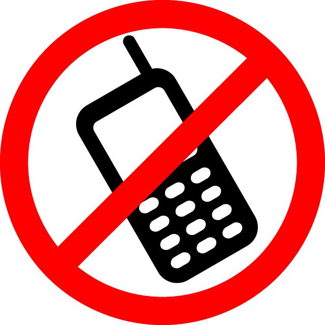 žádné mobilní telefony